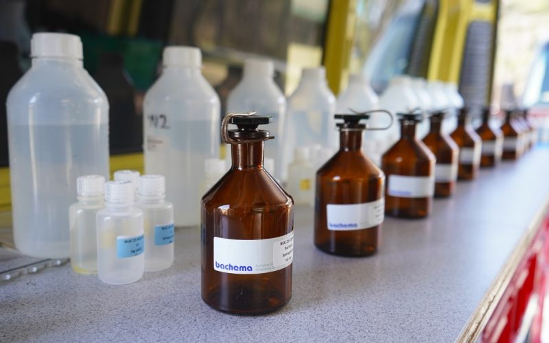 Storage of water and sediment samples in containers